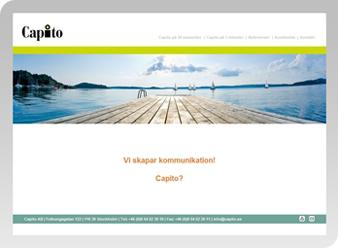 En skärmdump av webbplatsen Capito.se där man ser en brygga som går ut i ett blått vatten.